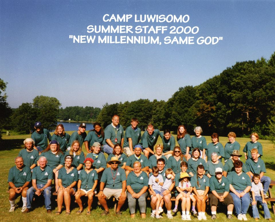 Luwisomo staff photo 2000