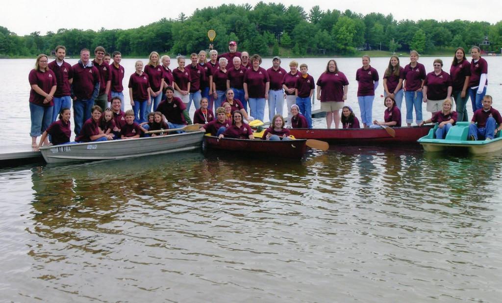 Luwisomo staff photo 2004